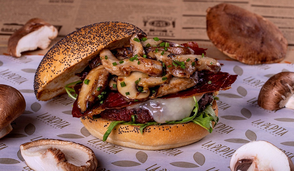 <span>Burger of the month</span><br>Pepita Funghi